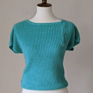 VTG Short-Sleeved Sweater w/Button Detail - size L
